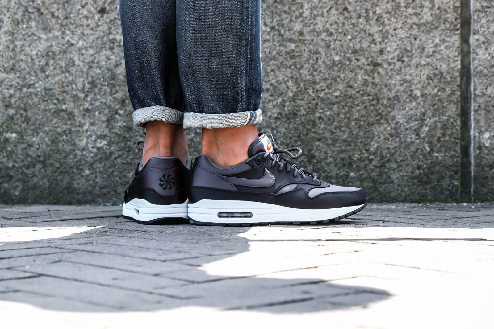 Nike Air Max 1 SE BlackAnthracite White AO1021 001