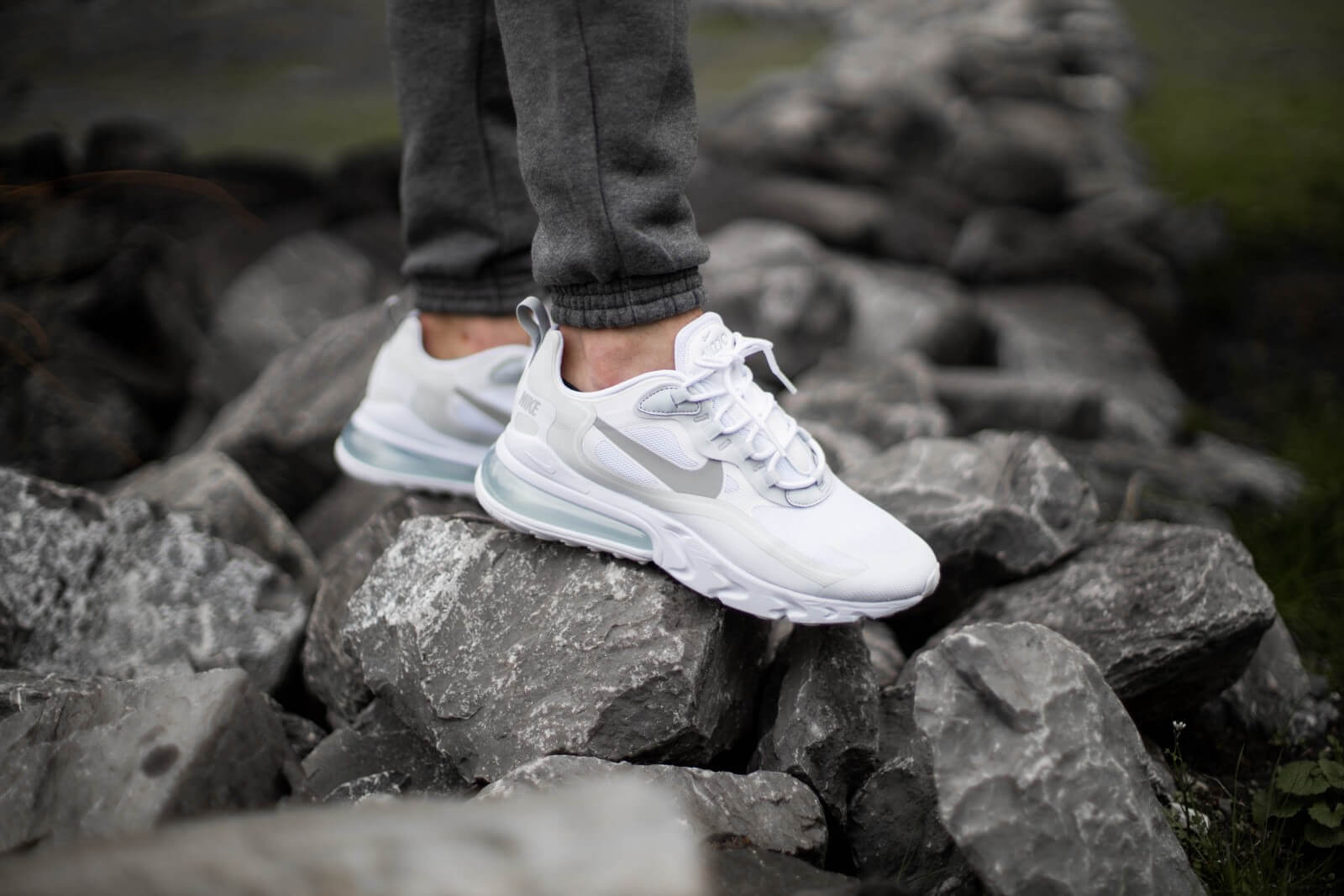Nike Air Max 270 React White/Light Smoke Grey-Pure Platinum