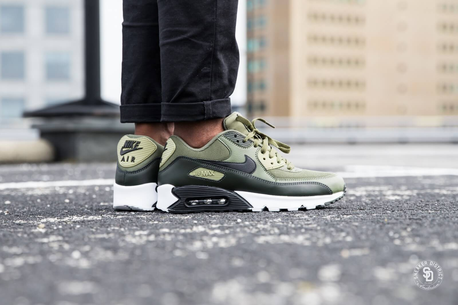 Nike Air Max 90 Essential Medium OliveBlack Sequoia Neutral Olive AJ1285 201