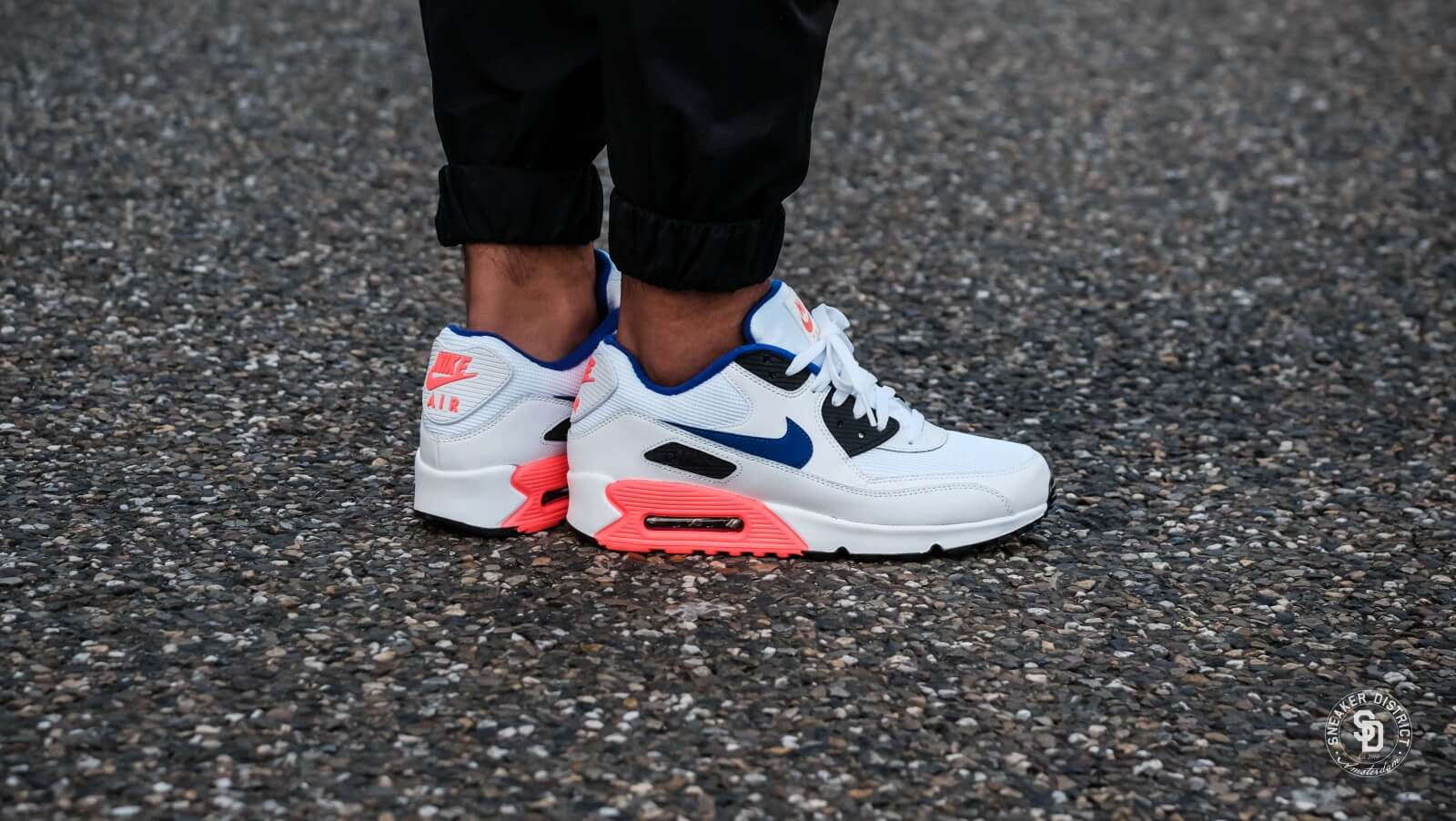 Nike Air Max 90 Essential WhiteUltramarine-Solar Red