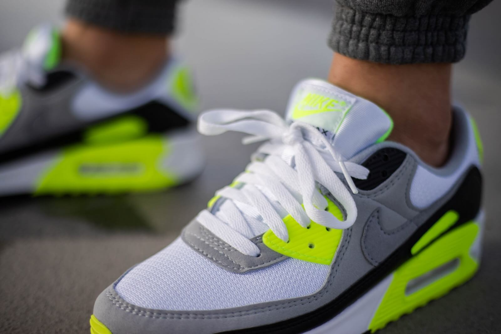 Nike Air Max 90 WhiteParticle Grey Volt CD0881 103