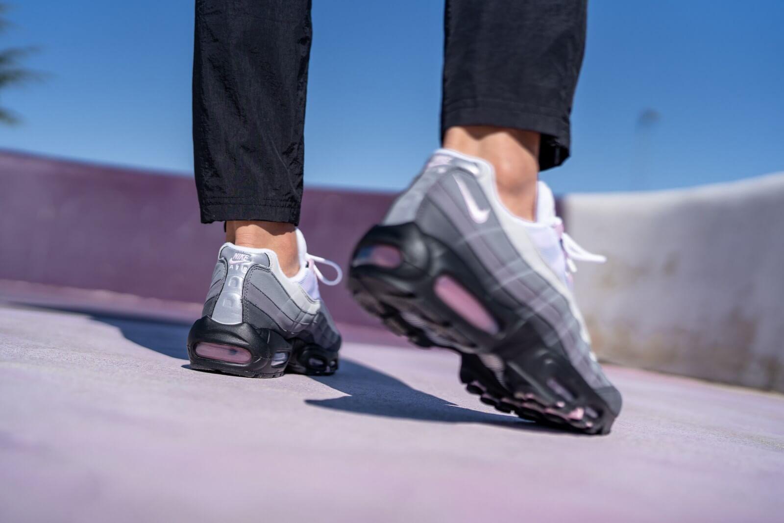 Nike Air Max 95 Premium Black/Pink Foam-Gunsmoke