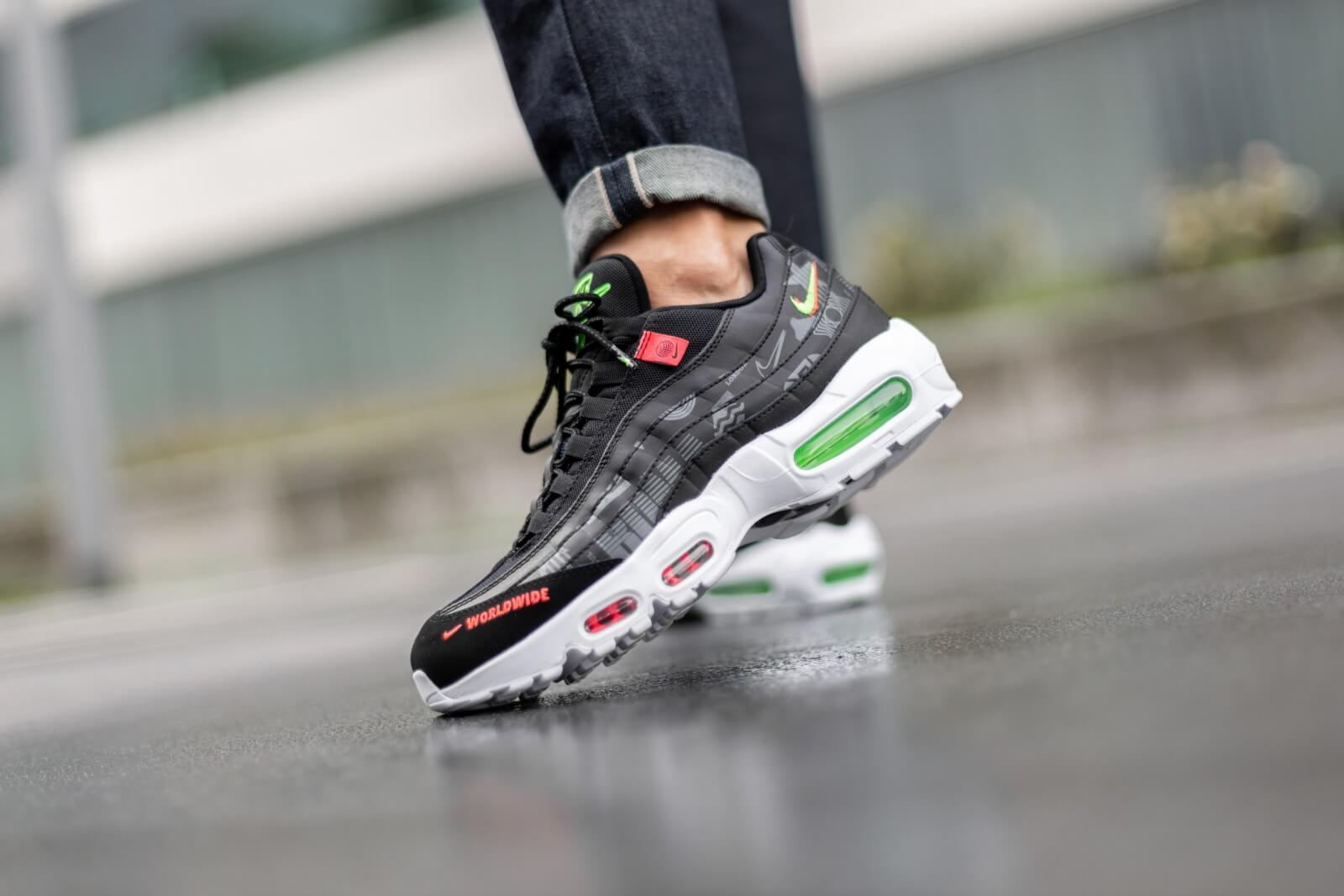 Nike Air Max 95 Worldwide Pack Black/White-Green Strike-Flash Crimson