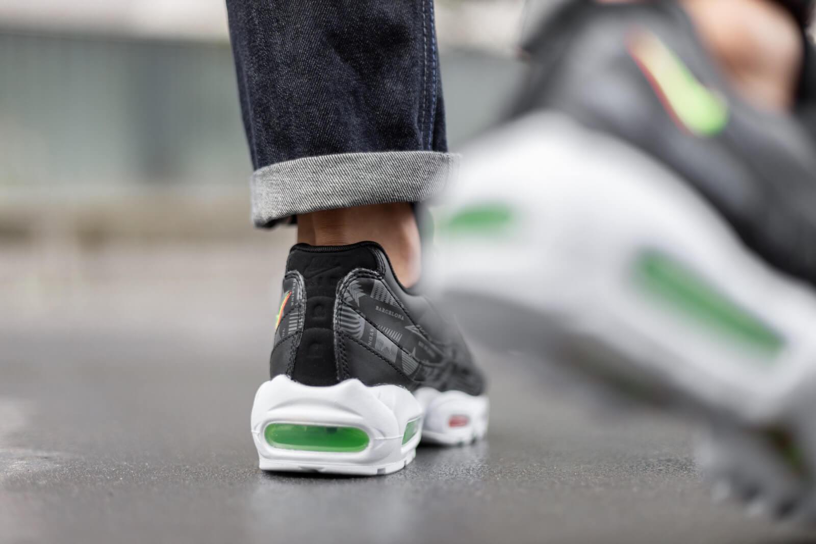 black green air max 95