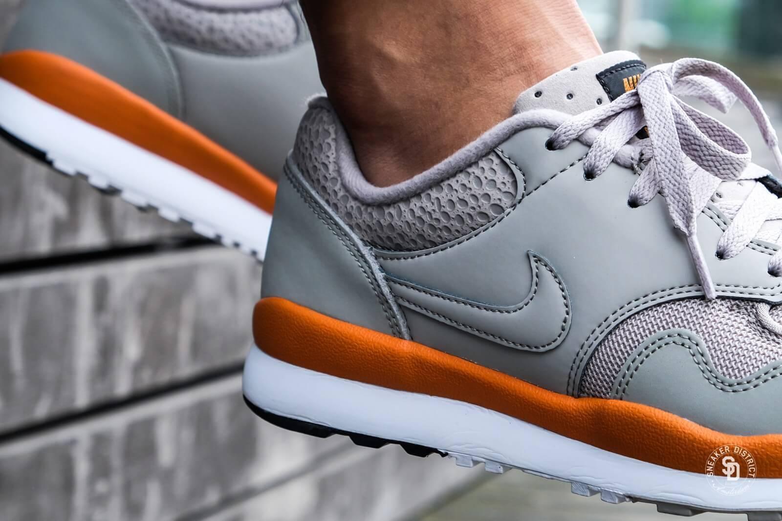 Nike Air Safari Cobblestone Monarch White 371740 007