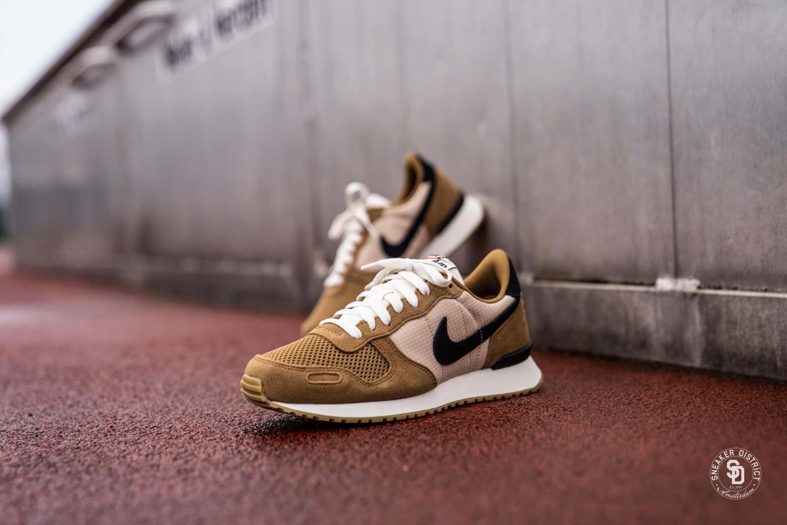 Ritual Conclusión Debería  Nike Air Vortex Golden Beige/Black-Desert Ore - 903896-202