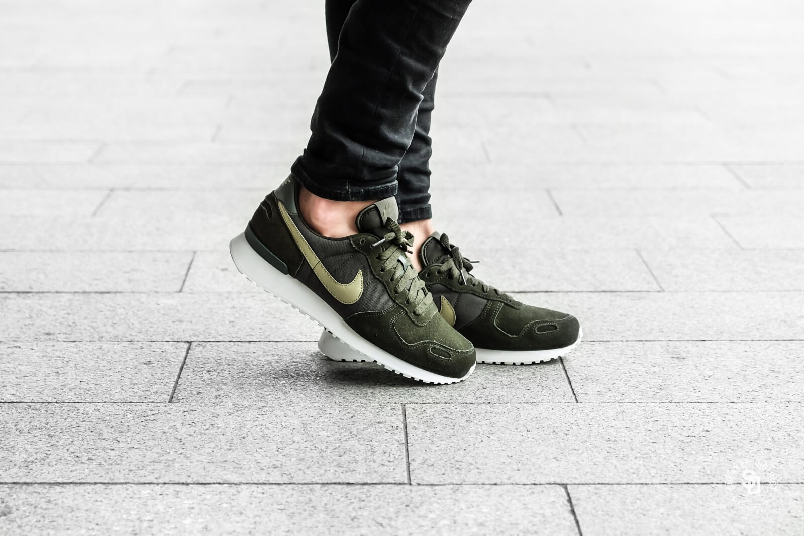 NIKE AIR VORTEX LEATHER / Leather / Olive / 43 EUR