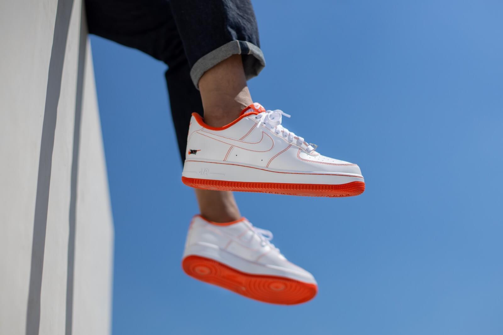 nike air force 1 07 femme orange