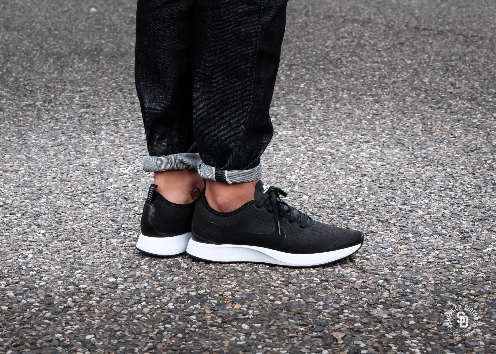 Nike Dualtone Racer Premium BlackWhite | Heren sneakers | Sneaker District