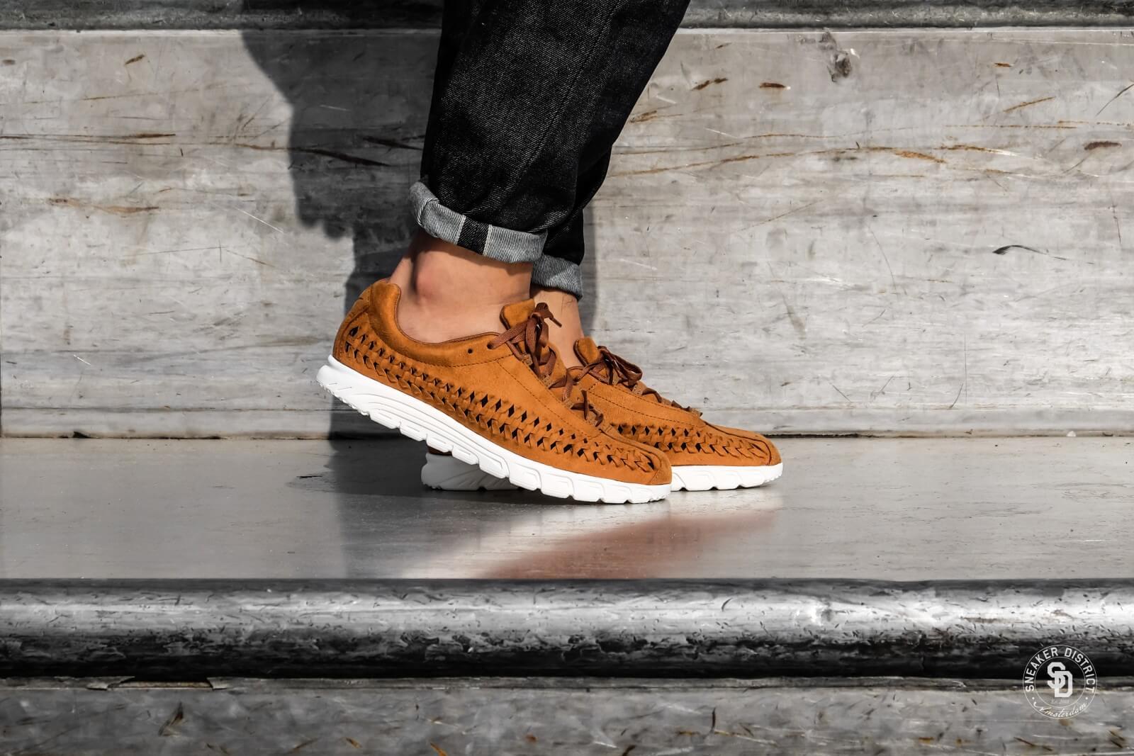 Nike Mayfly Woven Ale Brown/Sail