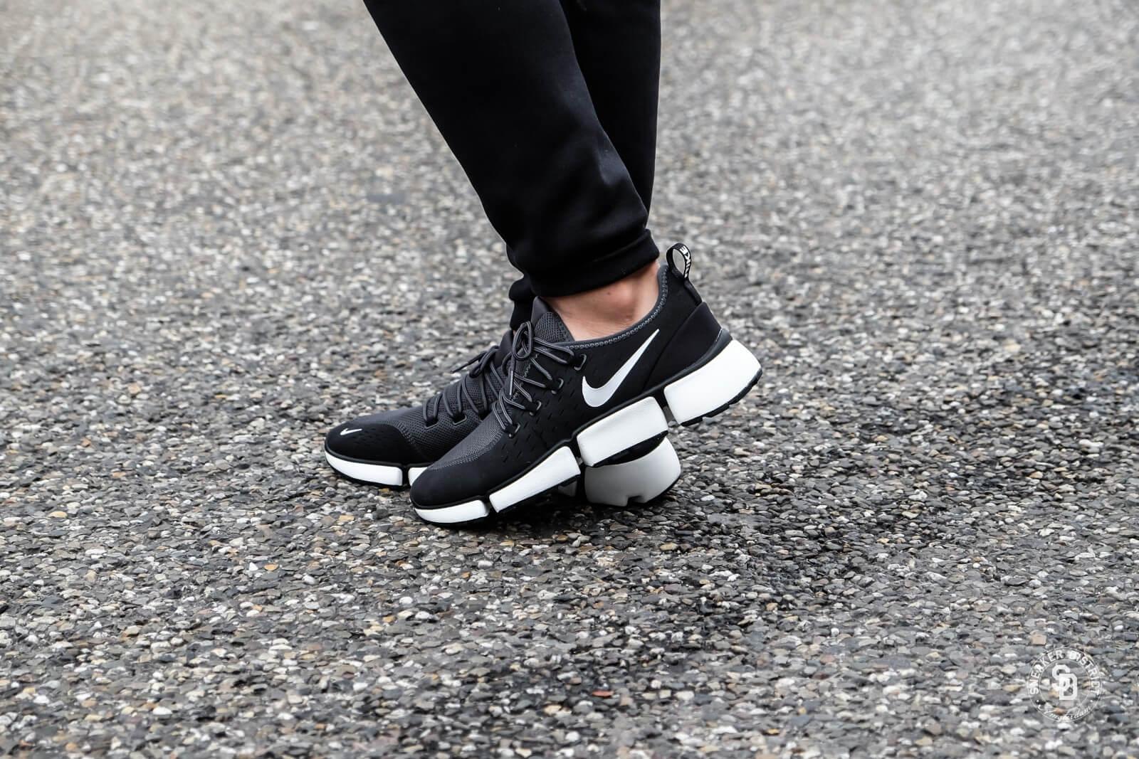 Nike Pocket Fly DM Black/White