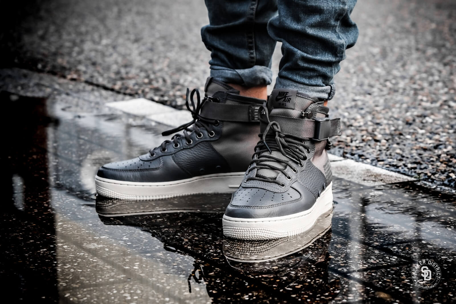 Nike SF Air Force 1 Mid Dark GreyLight Bone 917753 004