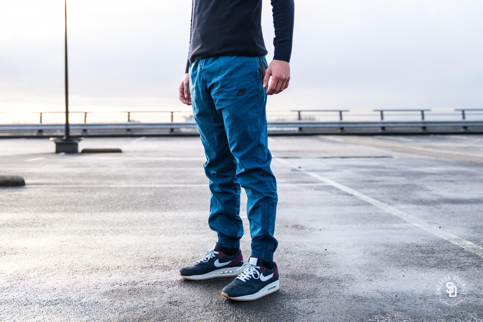 Montañas climáticas pausa visual  Nike Sportswear Swoosh Woven Track Pants Blue Force/Black - AJ2300-474