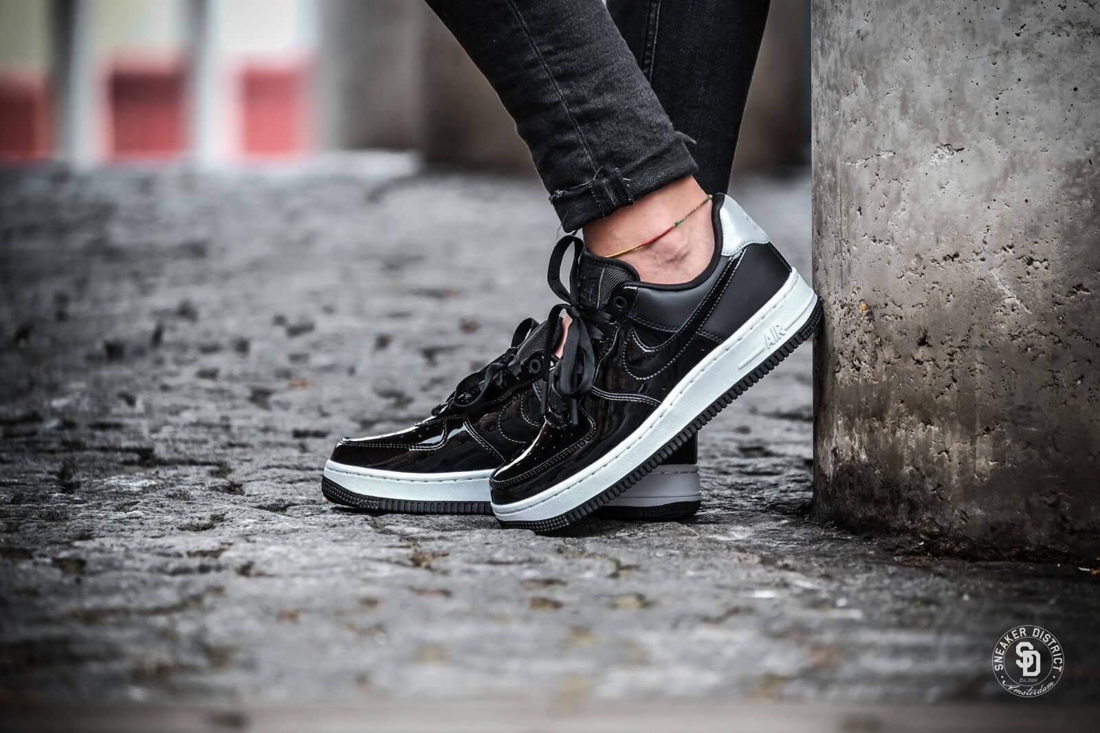 AH6827 001 Nike Wmns Air Force 1 07 Se Premium