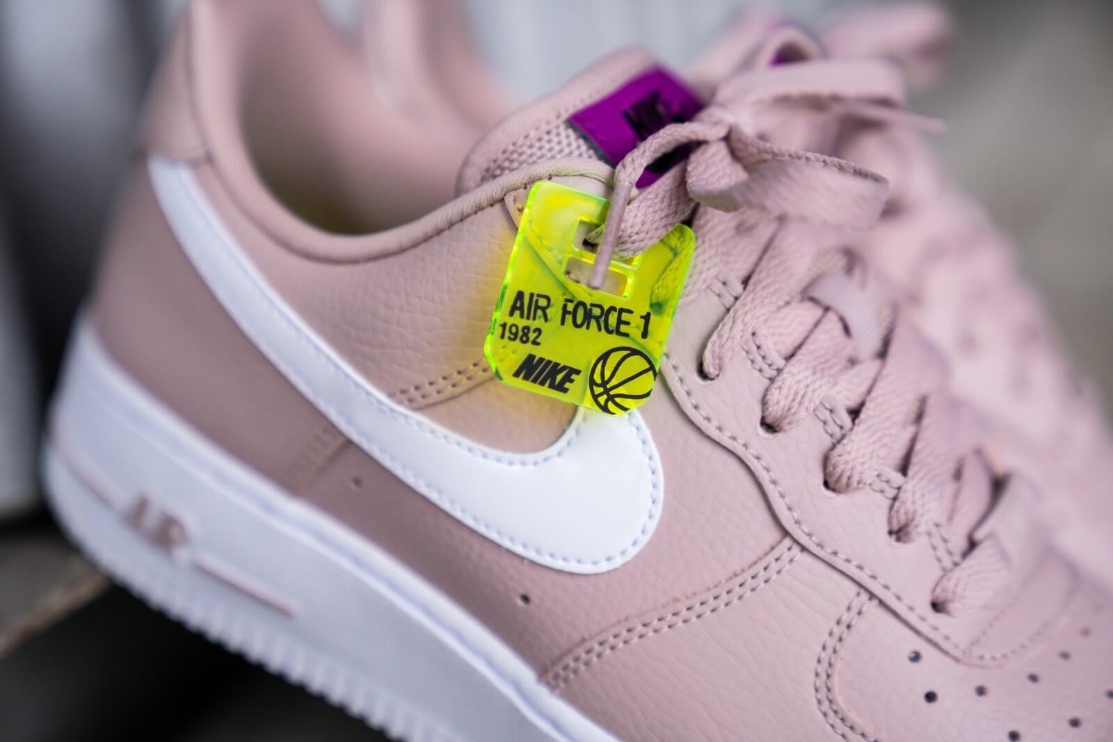 Nike Women's Air Force 1 '07 SE Stone Mauve/White-Vivid Purple