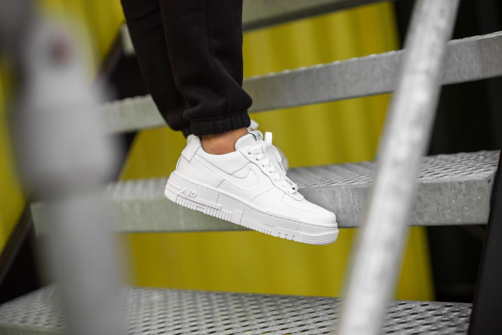 Nike Women's Air Force 1 Pixel White/Black-Sail