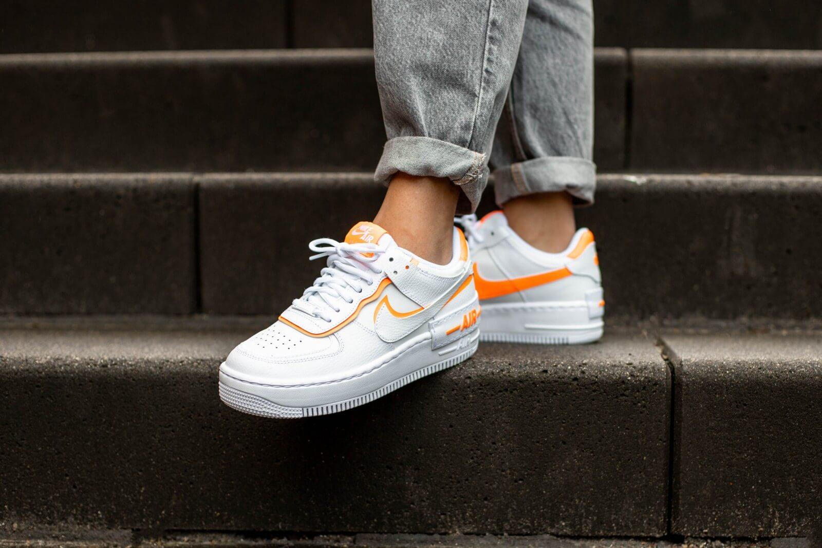 Abrasivo Europa Descripción del negocio  Nike Women's Air Force 1 Shadow White/Total Orange - CI0919-103
