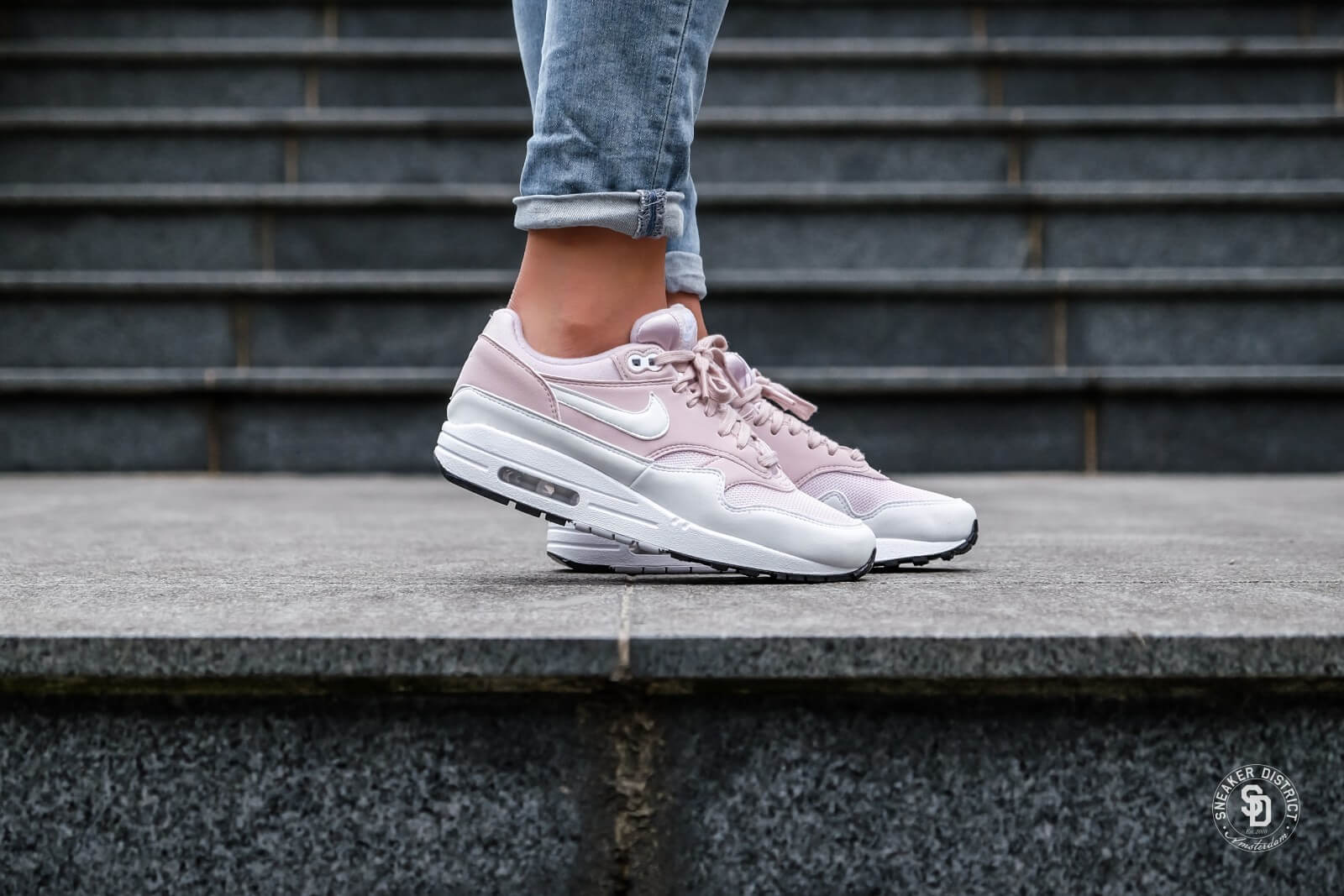 Air Max 1 Barely Rose/White