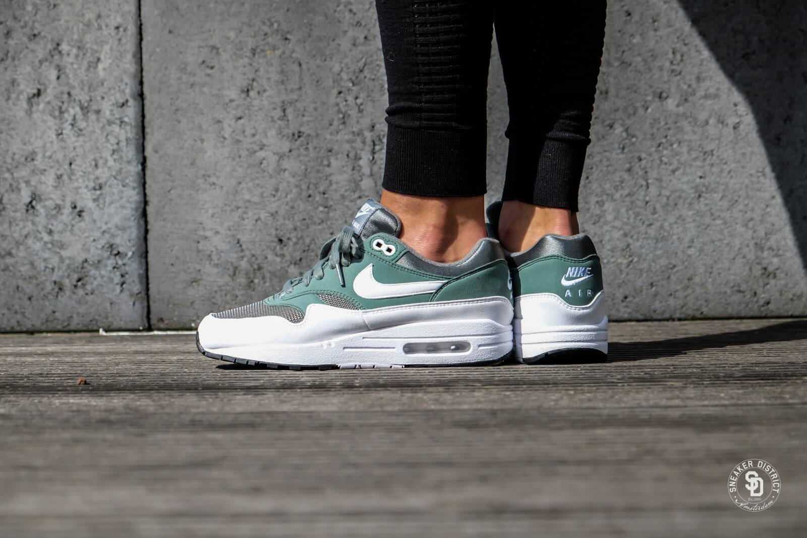 Nike Women S Air Max 1 Clay Green White 319986 303
