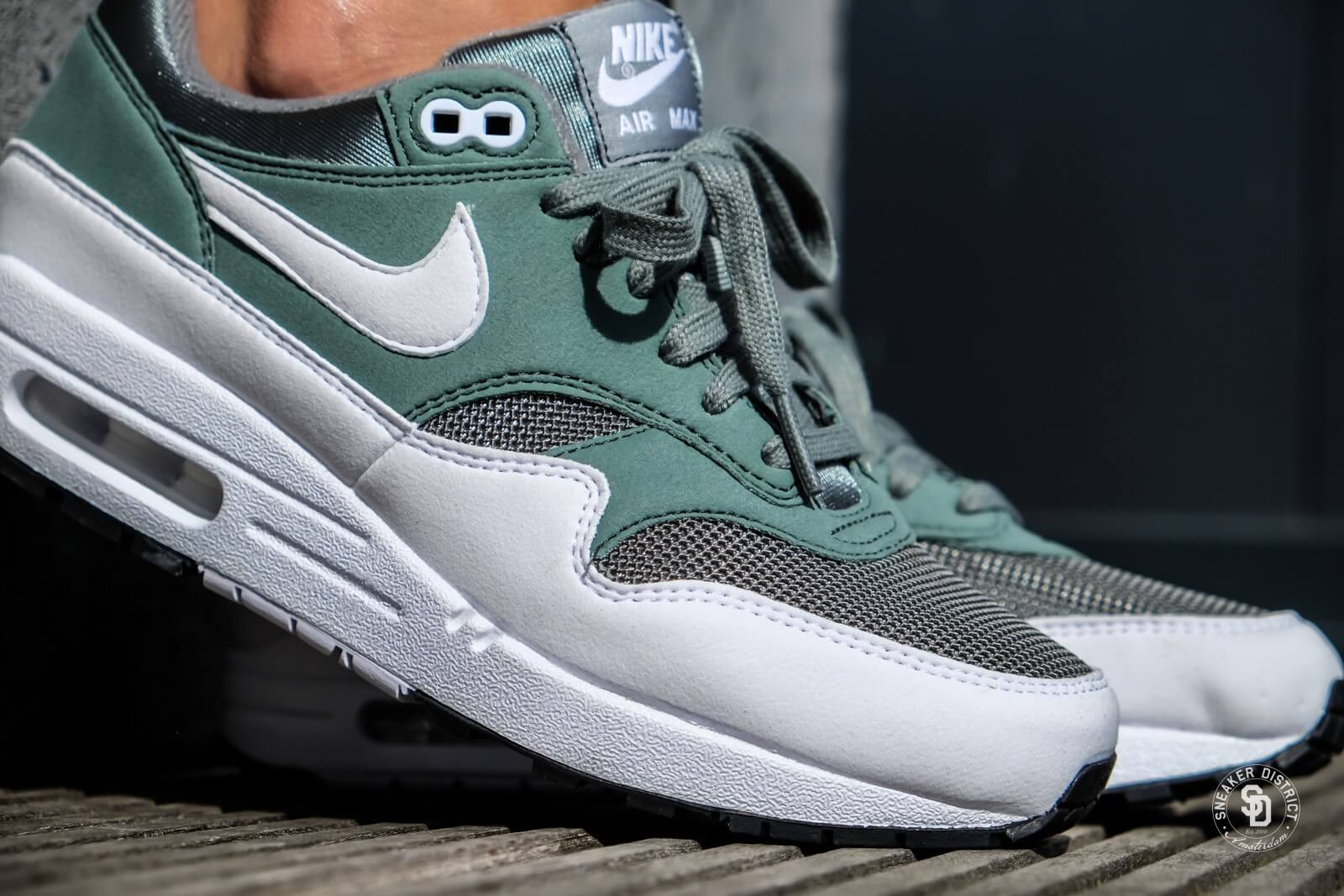 Nike Women's Air Max 1 Clay Green/White