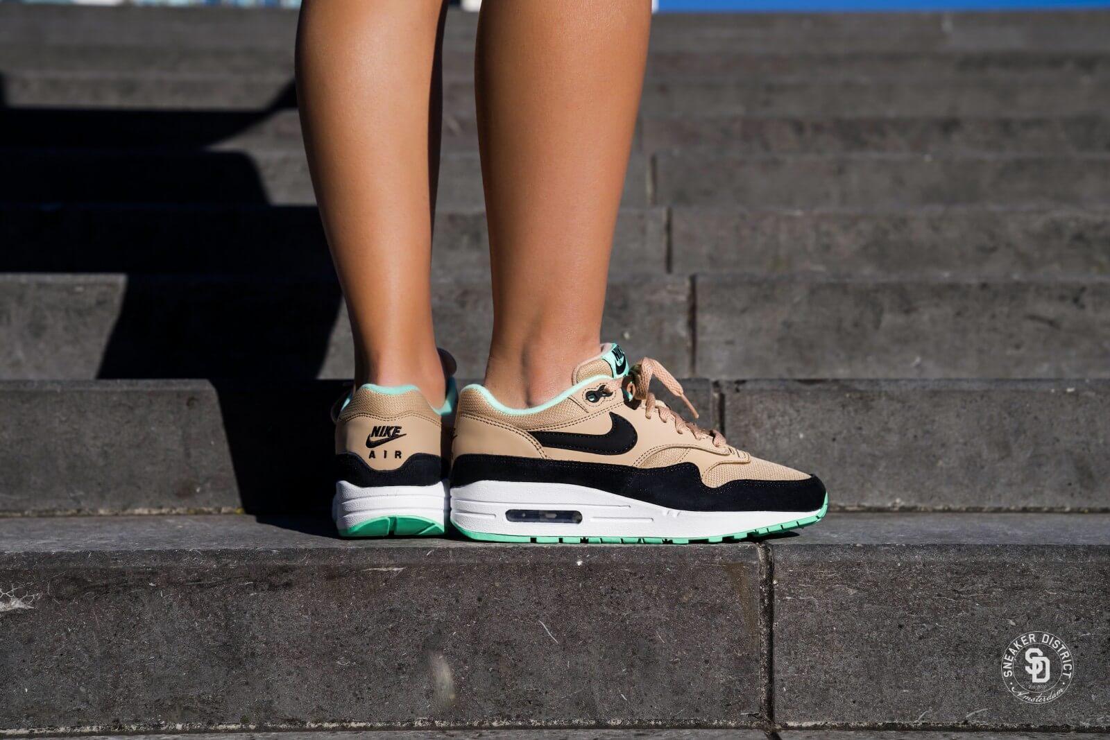 Nike Air Max 1 W shoes green white