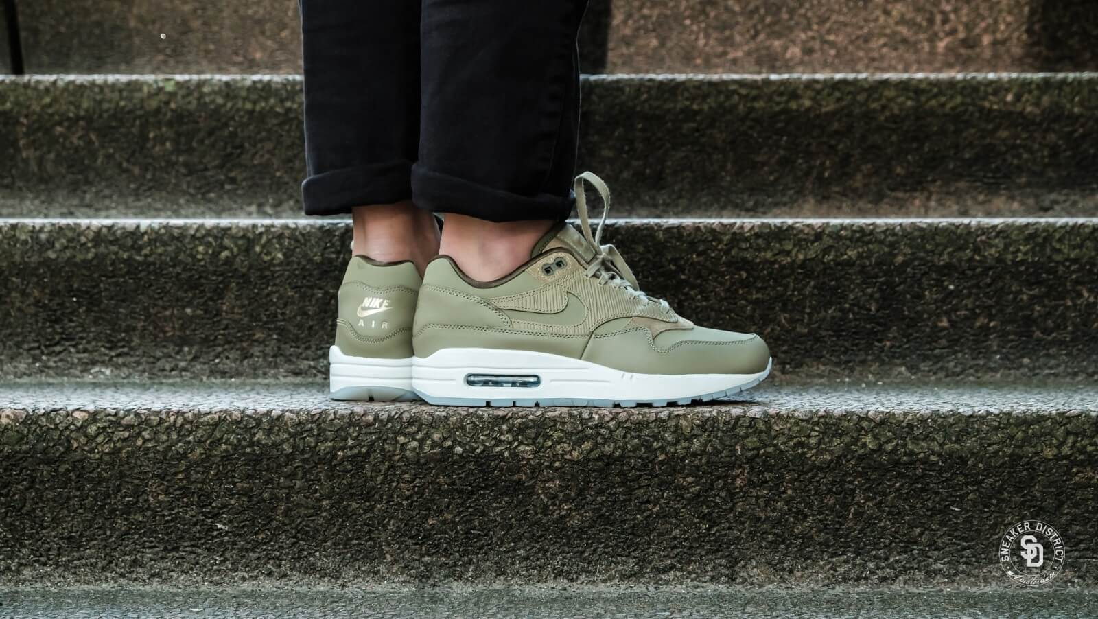 Nike Air Max 1 Leather Premium Medium Grey & Gum | Nike