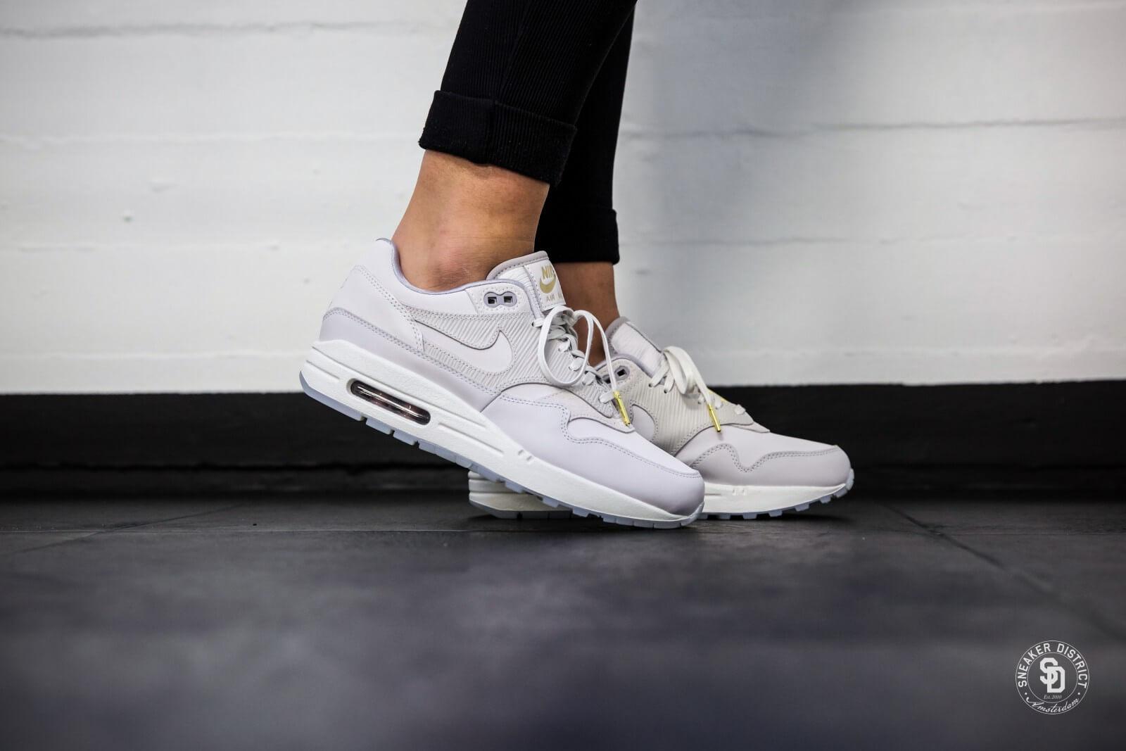 Nike Air Max 1 Chaussures De Sport Haut De Gamme FOxgK