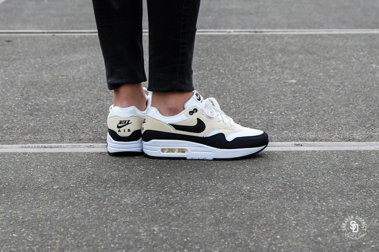Nike Women's Air Max 1 Sail/Black-Fossil