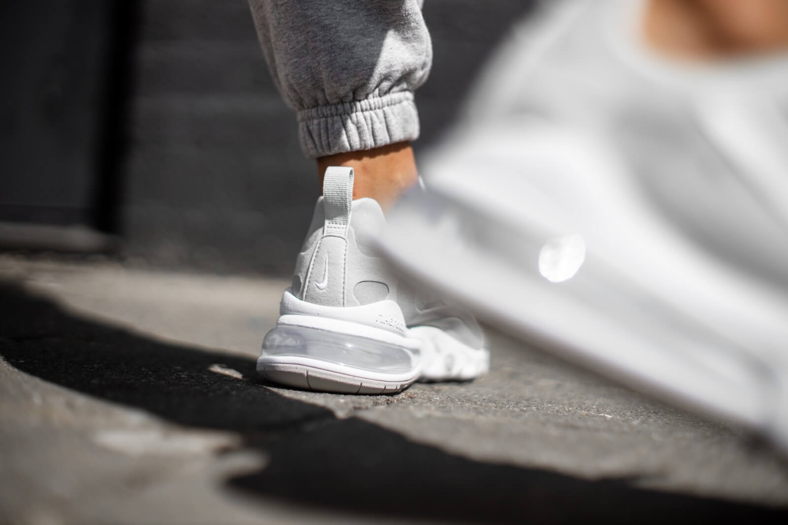 Nike Women's Air Max 270 React Grey Fog