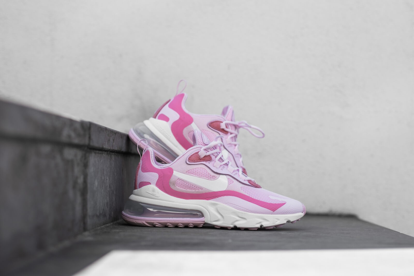 Nike Women's Air Max 270 React Pink Foam/White-Digital Pink