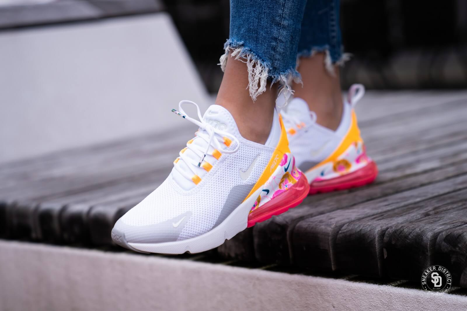 Nike Women's Nike Air Max 270 React SE (White | Track Red