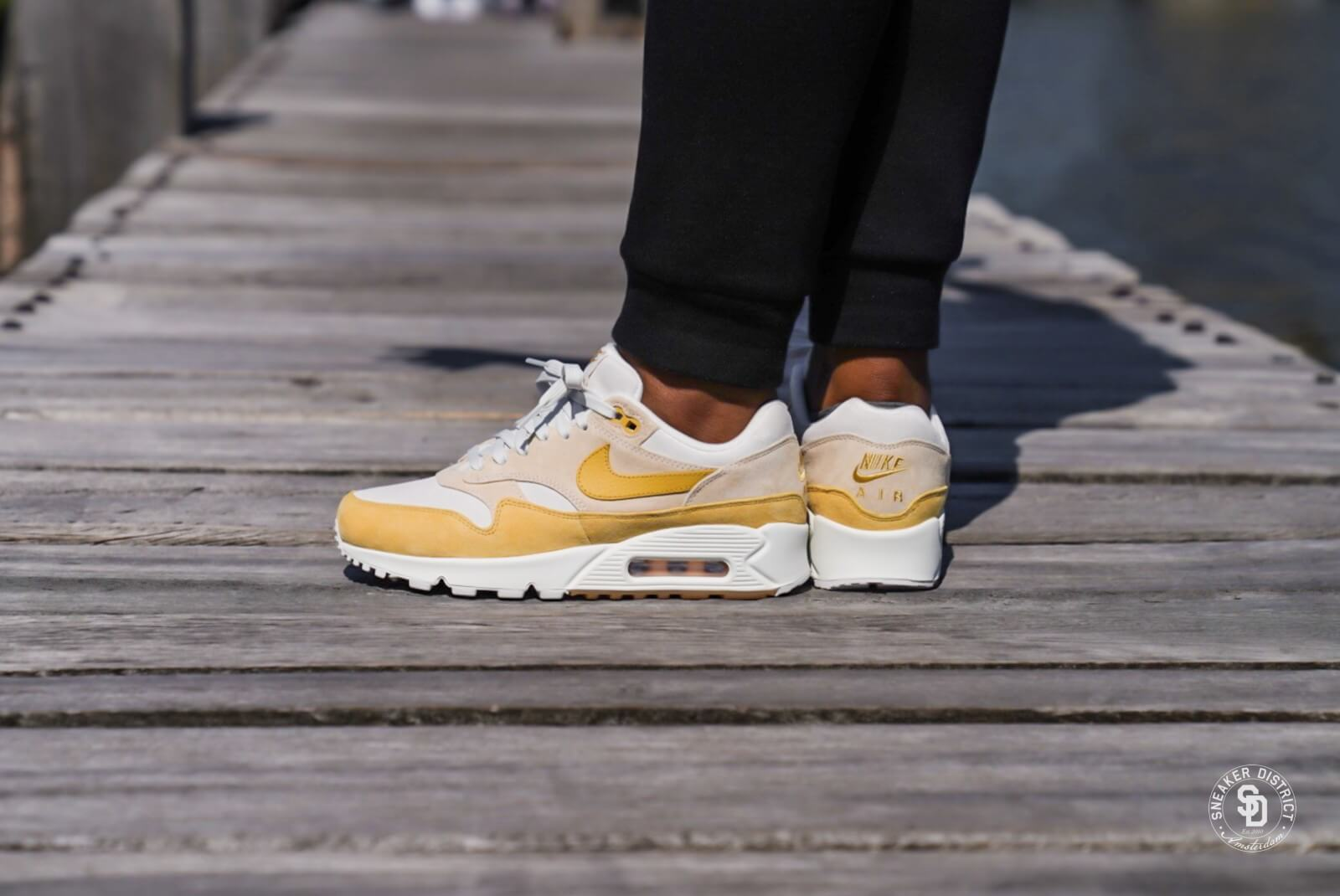 Nike Wmns Air Max 901 Guava Ice Wheat Gold