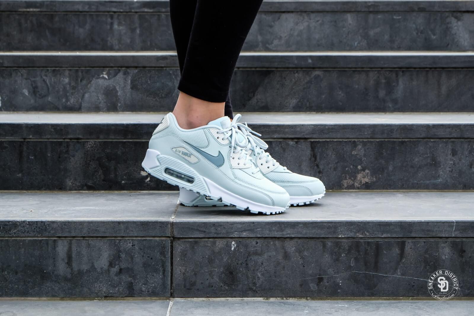 Nike Women's Air Max 90 Barely Grey/Light Pumice