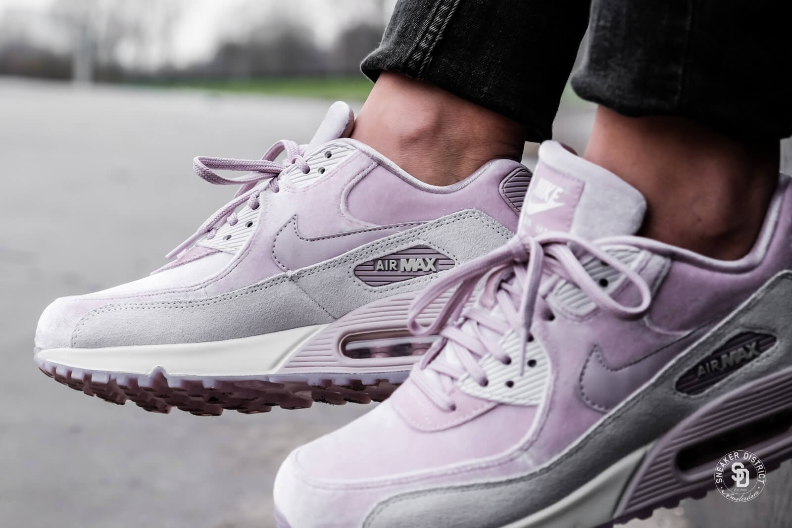 Nike Women S Air Max 90 Lx Particle Rose Vast Grey