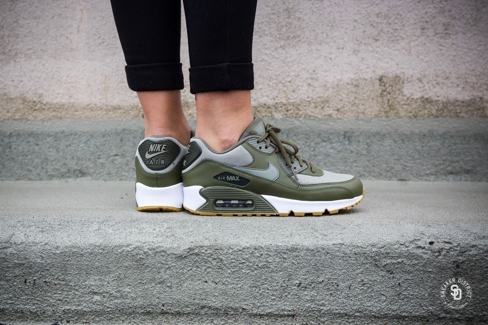 Nike Women's Air Max 90 Medium Olive/Dark Stucco