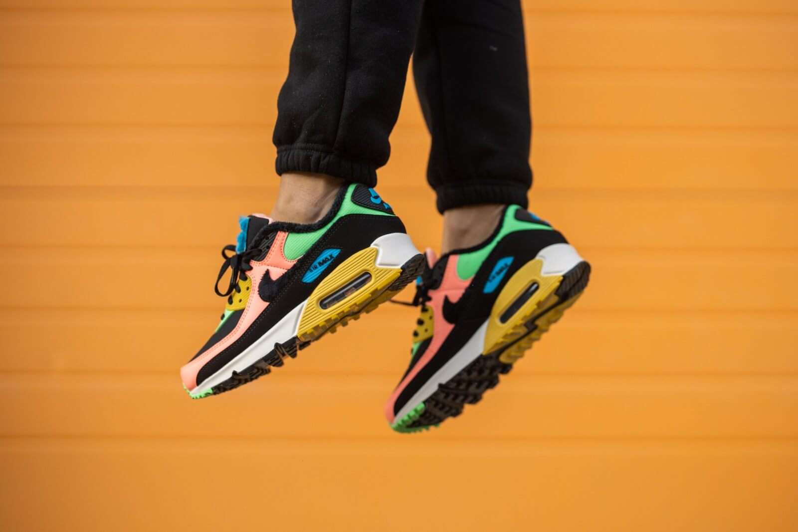 Nike Women's Air Max 90 Premium Atomic Pink/Black-Laser Blue-Solar Flare