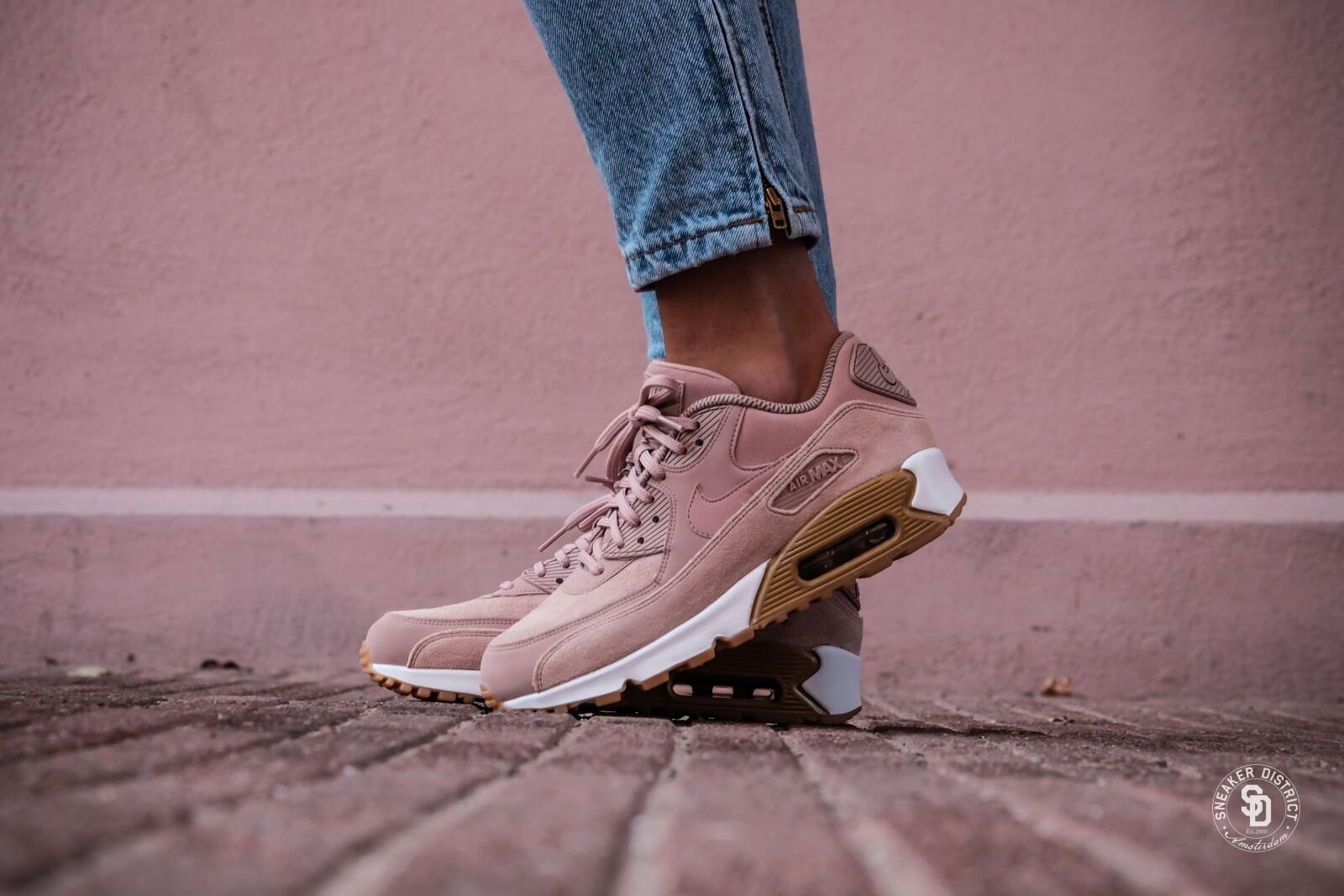 Nike Women's Air Max 90 SE Particle Pink online bestellen | Sneaker District