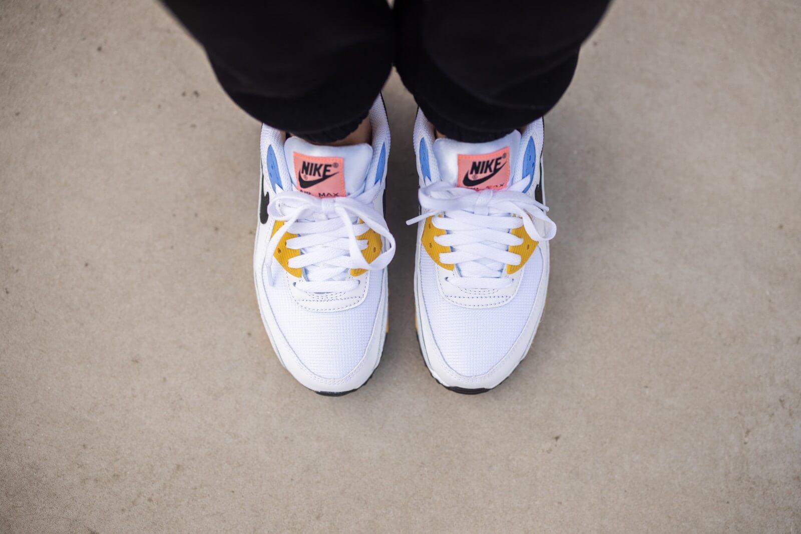 Nike Women's Air Max 90 White/Black-Pure Platinum-Solar Flare