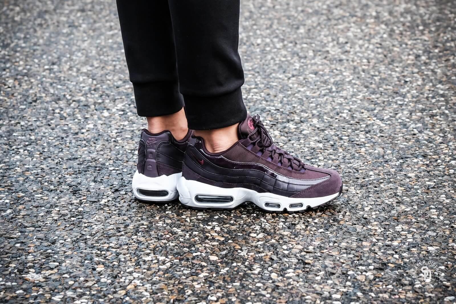 Air Max 95 Women's Shoe | Air max outfit, Nike air max 95