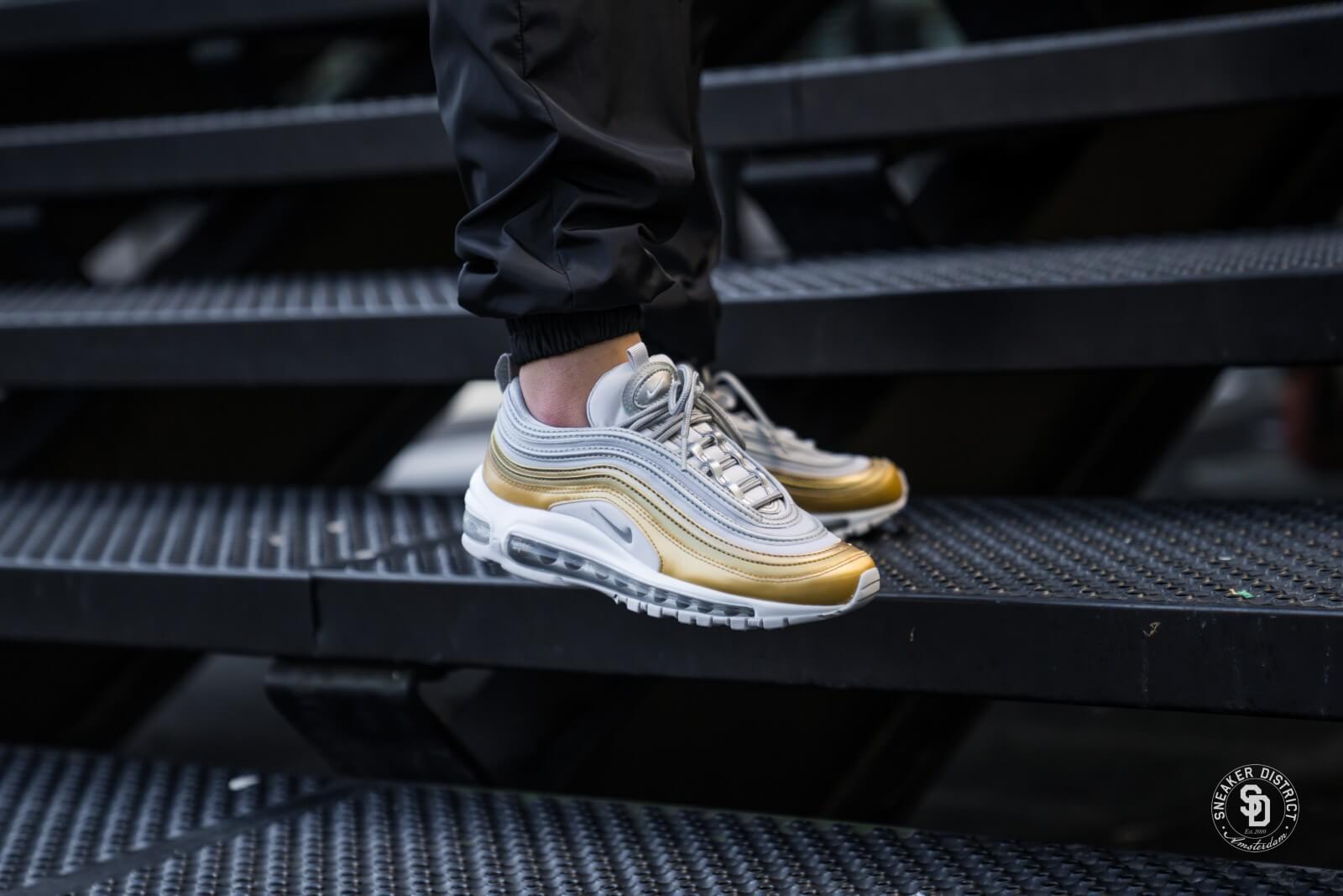 Nike Women's Air Max 97 SE Vast Grey/Metallic Silver-Metallic Gold