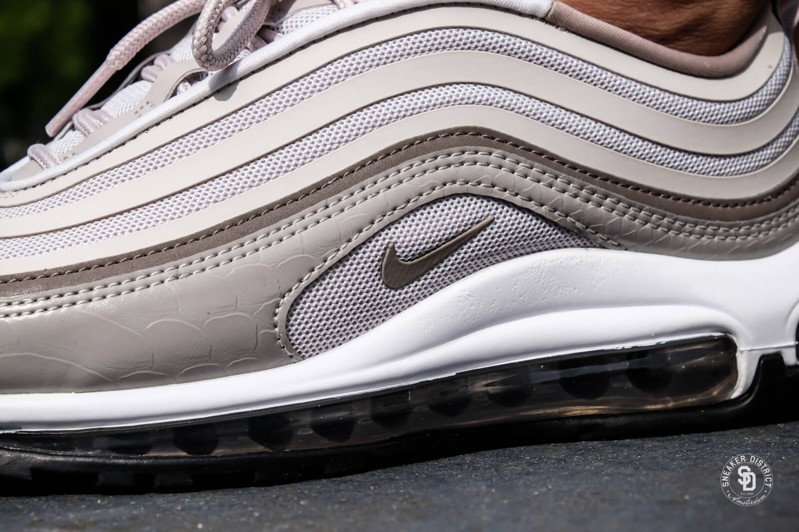 518a797f12 australia nike wmns air max 97 ultra 17 vast grey obsidian particle rose  84798 1ca8b Source · Toppers crazy summer