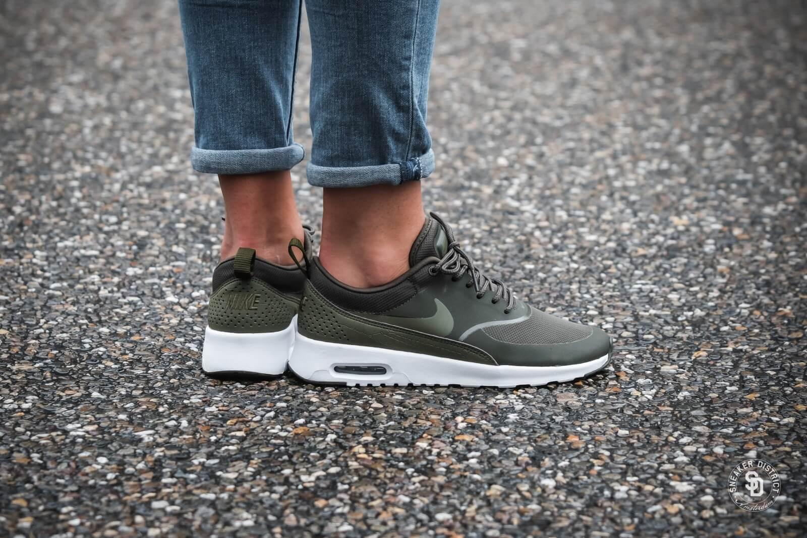 Nike Women's Air Max Thea Cargo KhakiMedium Olive 599409 309