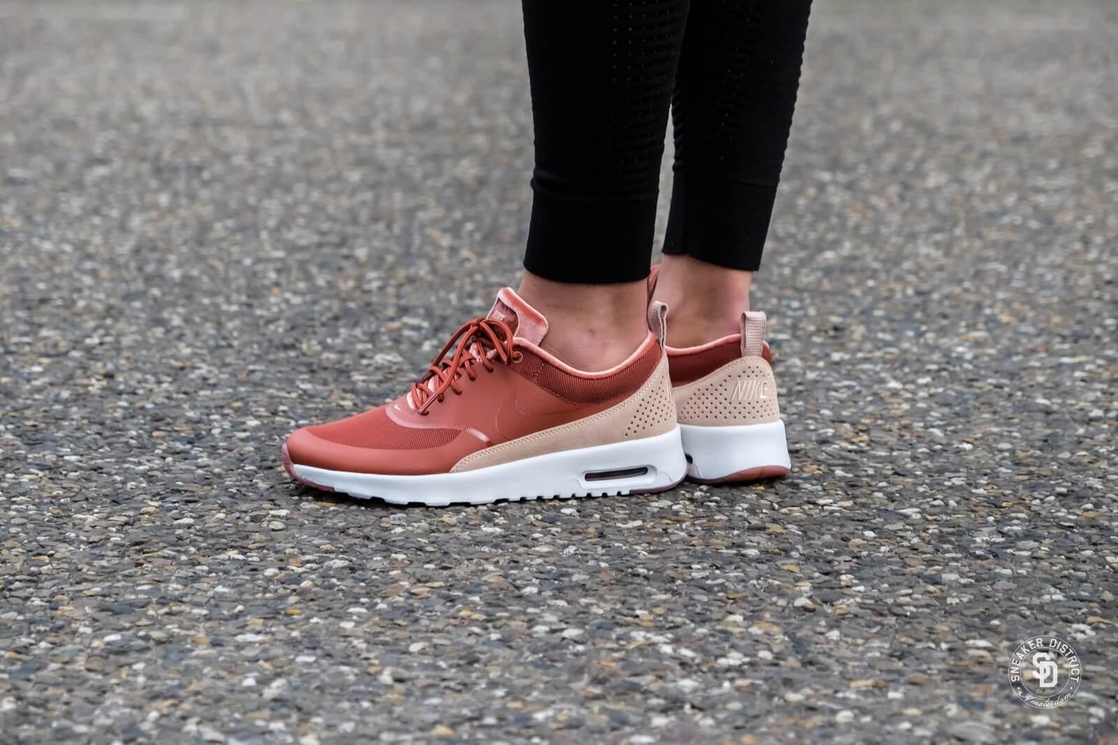 zapatillas de skate cómo hacer pedidos renombre mundial Nike Women's Air Max Thea LX Dusty Peach/Bio Beige - 881203-201