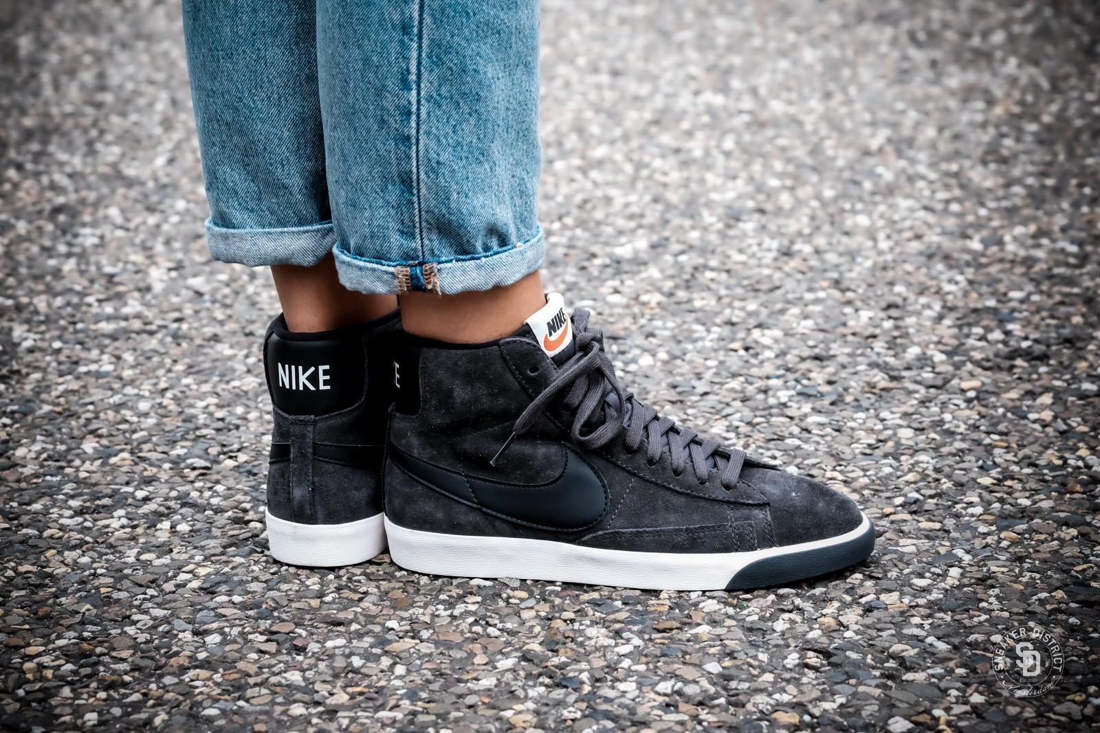 Convencional secretamente Capitán Brie  Nike Women's Blazer Mid Suede Vintage Anthracite/Black-Gum - 917862-003