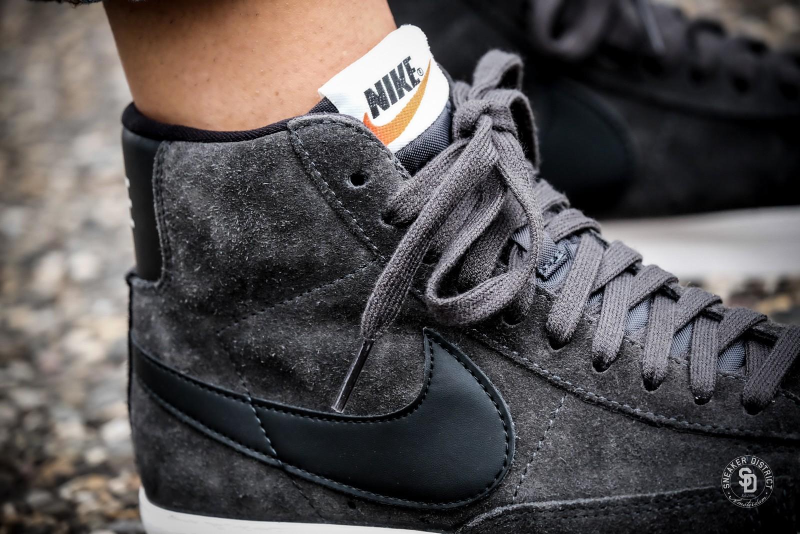 Nike Women's Blazer Mid Suede Vintage