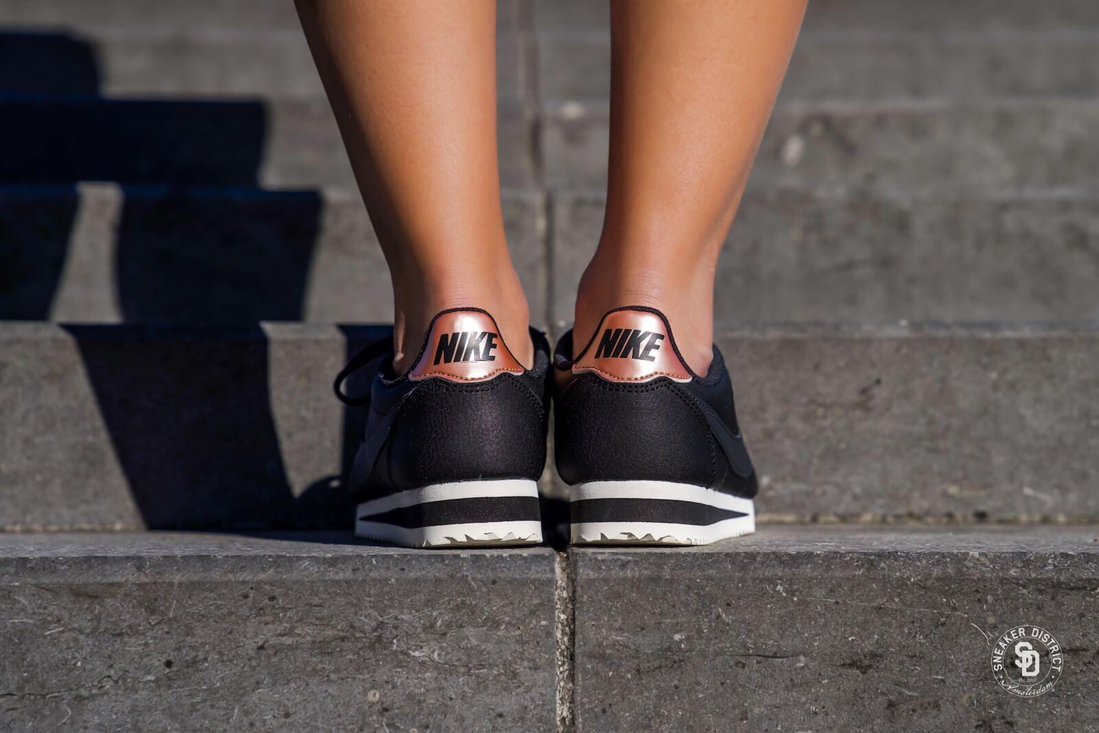 nike classic cortez leather metallic