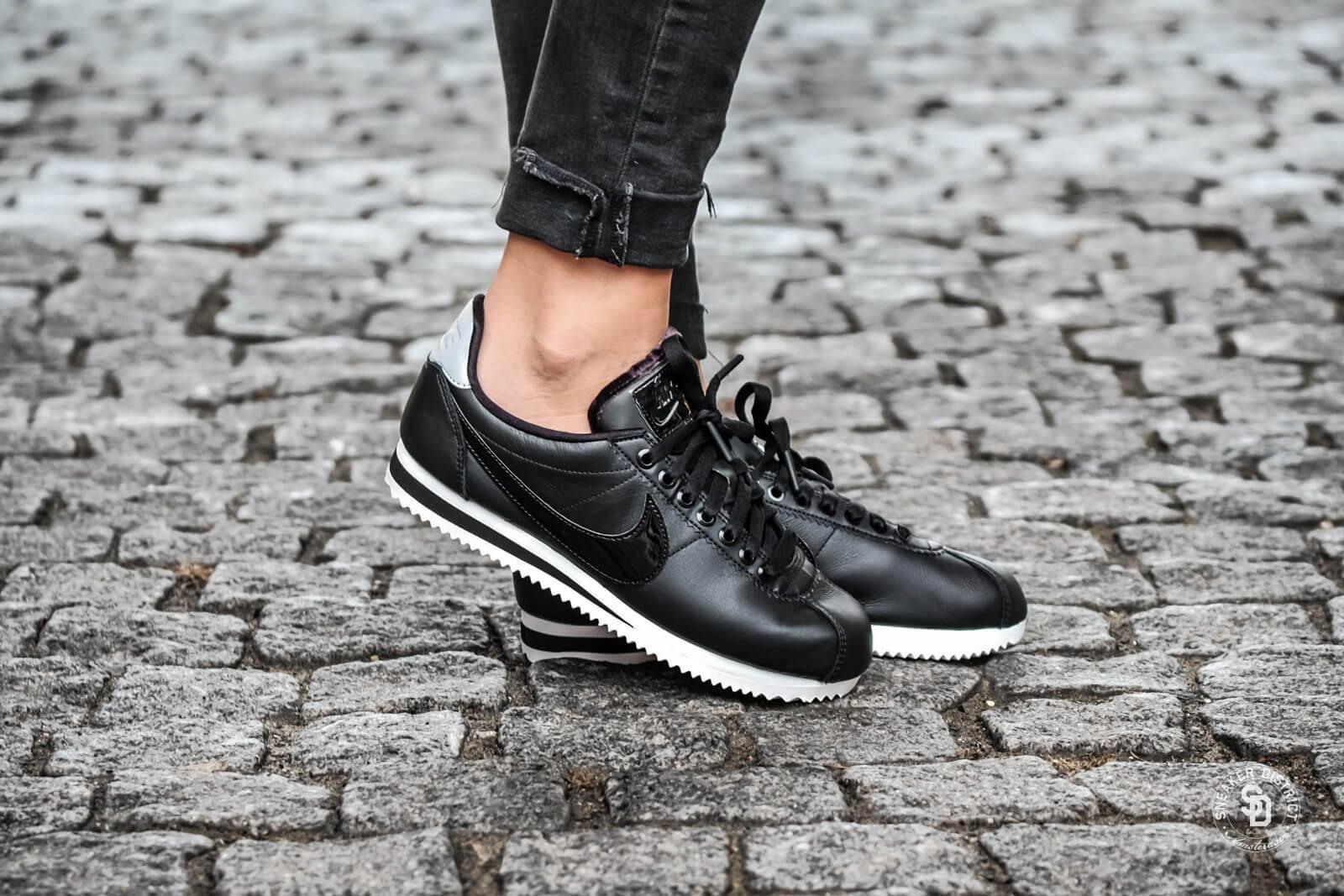 Competidores piloto ~ lado  Nike 'Beautiful x Powerful' Women's Classic Cortez SE Premium Black/Reflect  Silver-Cool Grey - AJ0135-001