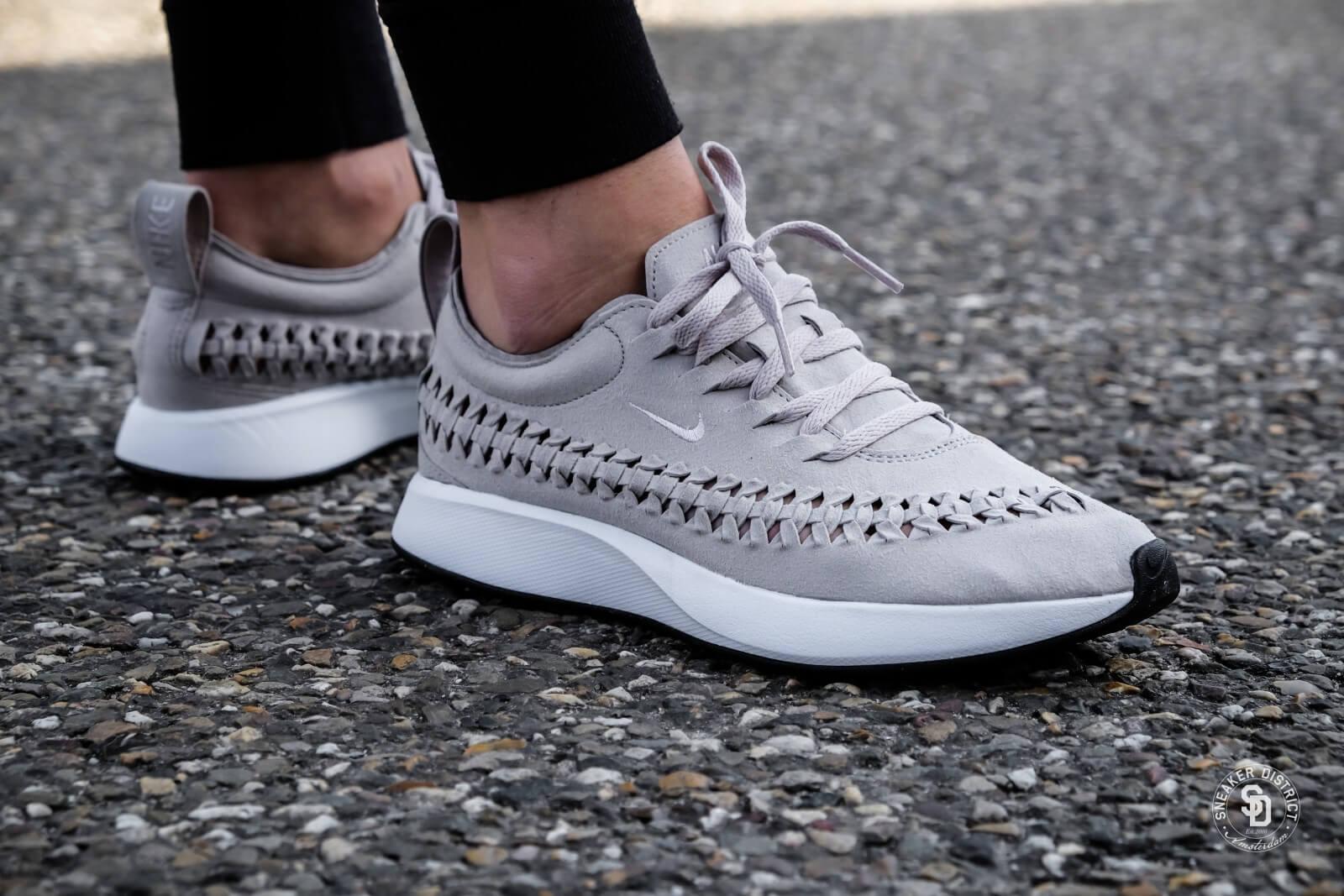 Nike Dualtone Racer Woven W schoenen grijs