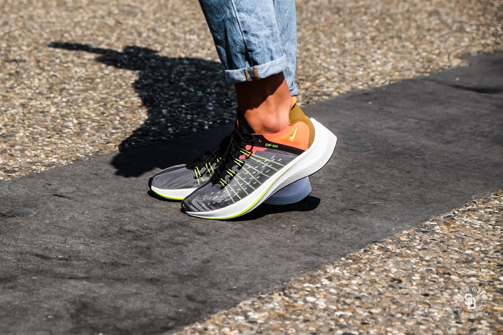 Nike Women's EXP-X14 Black/Volt-Total