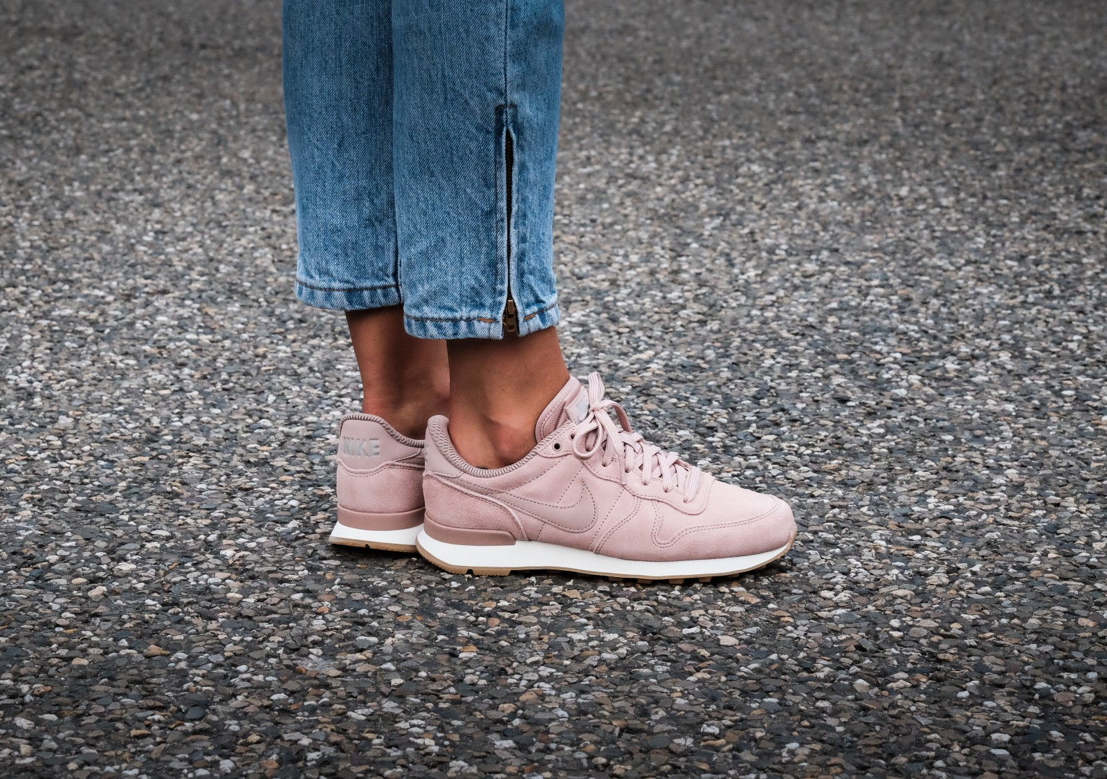 nike - roze sneakers internationalist